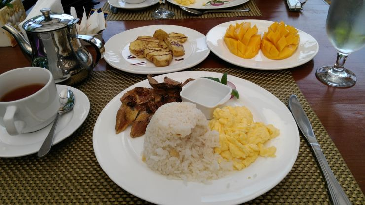 Loboc River Resort Venia's Kitchen Complimentary Breakfast