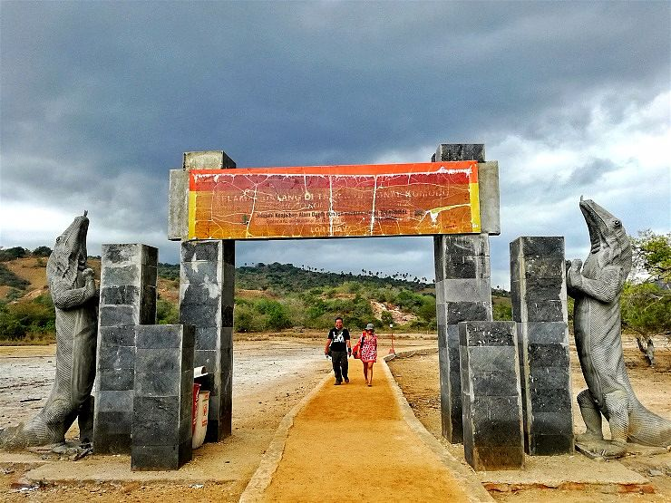 rinca island entrance loh buaya