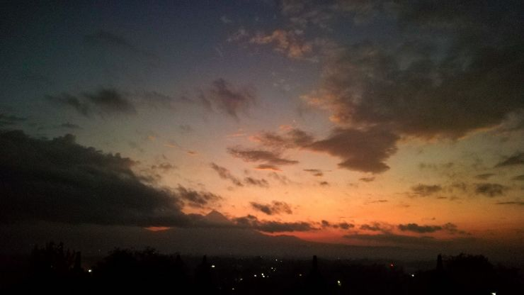 mount merapi borobudur sunrise