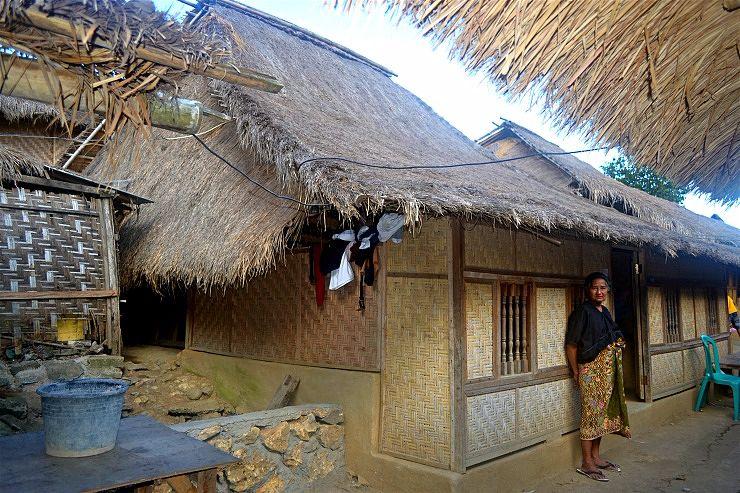 sasak sade village culture lombok indonesia