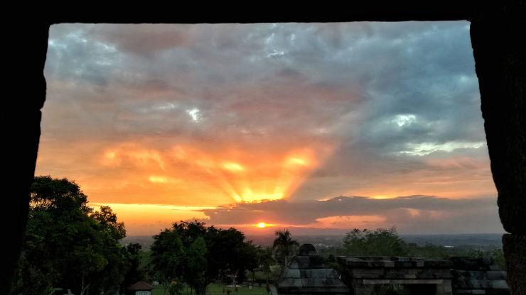 sunset ratu boko