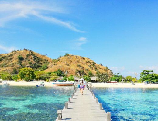 day trip Kanawa Island Flores Indonesia