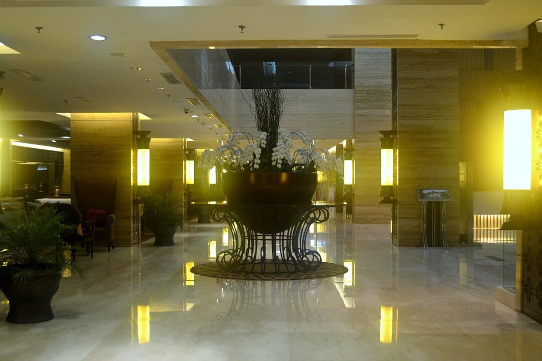 royal ambarrukmo lobby