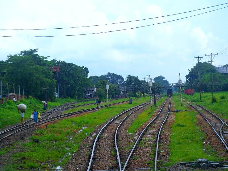 yangon circular train tracks