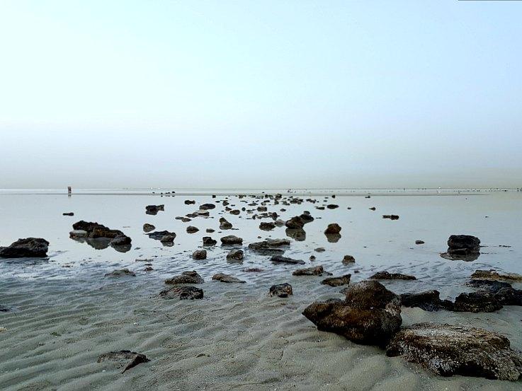 al wakrah family beach rocky qatar