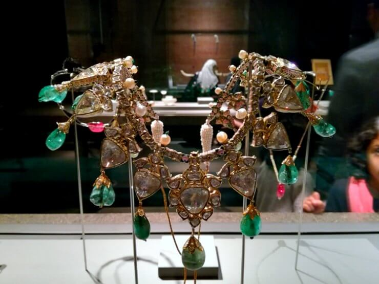 museum of islamic art qatar ancient jewelry