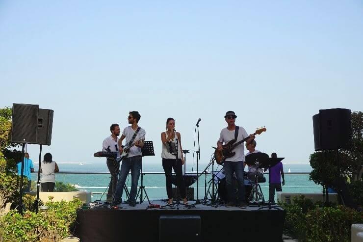 st regis doha grand brunch live band