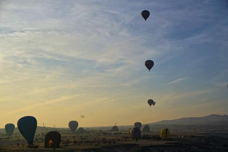 turkey cappadocia hot air balloon landing