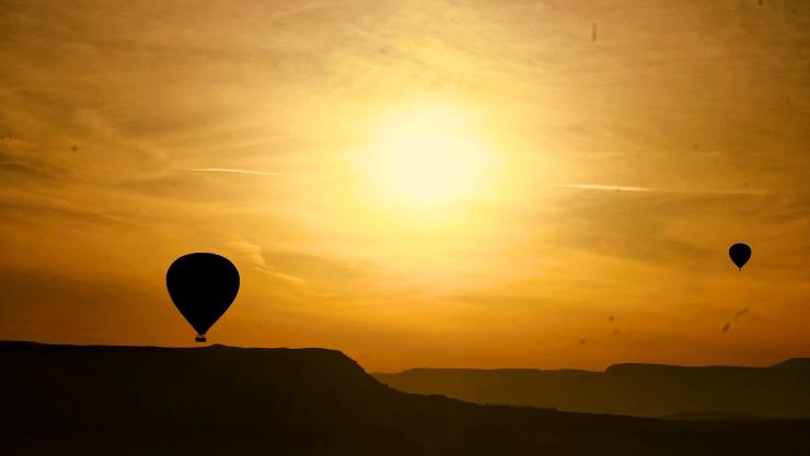 cappadocia turkey hot air balloon sunrise
