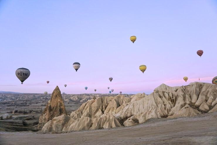 cappadocia hot air balloon winter