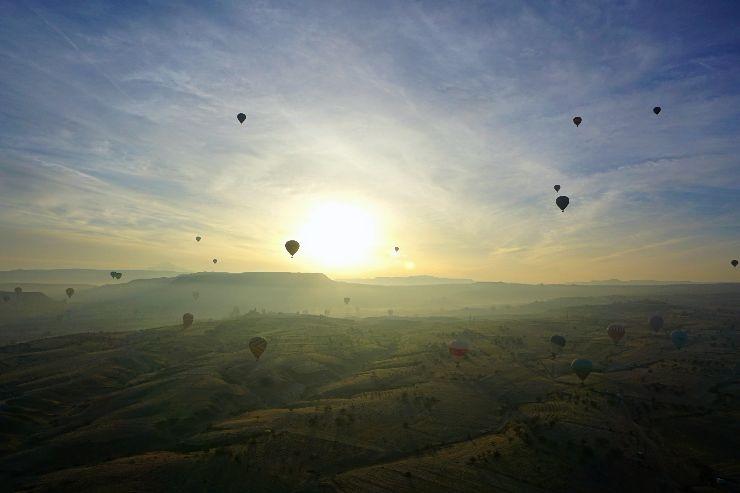 sunrise hot air balloon cappadocia turkey