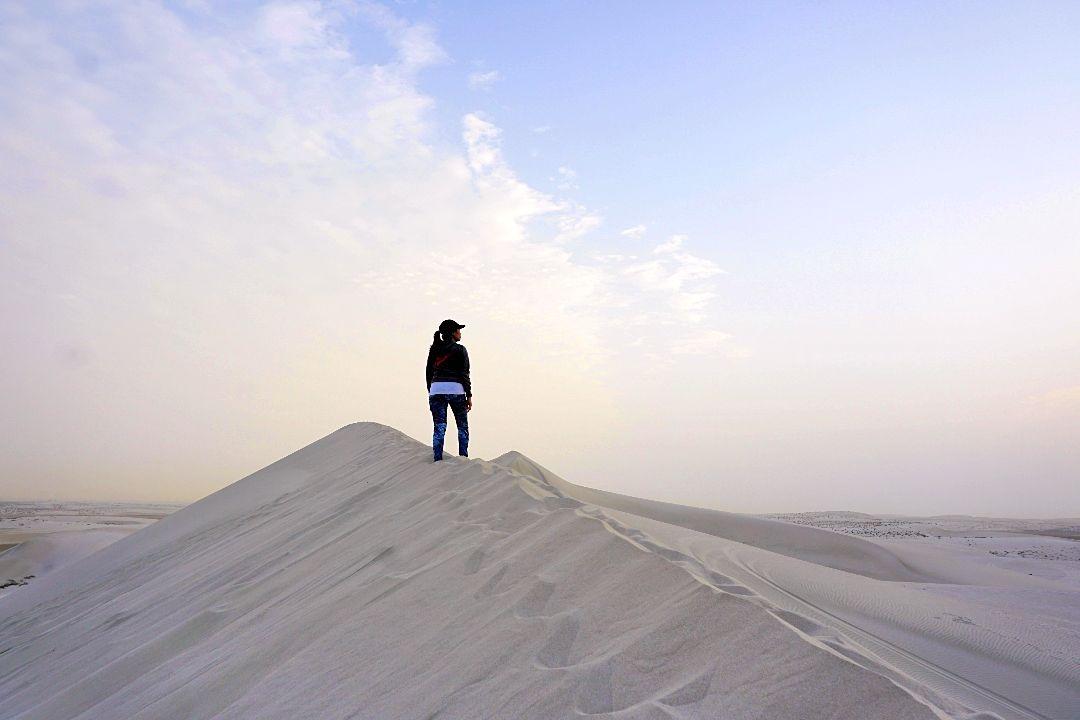 Inland Sea Qatar: Overnight camping and dune bashing